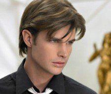 Coupes de cheveux et coiffures pour les hommes avec les cheveux ridés et lisse