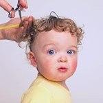 Première coupe de cheveux de votre enfant